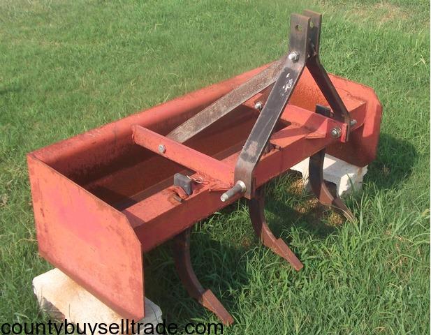Kubota B7100 Tractor, finishing mower and landscaping box in